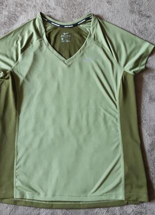 Женская спортивная футболка nike dri fit