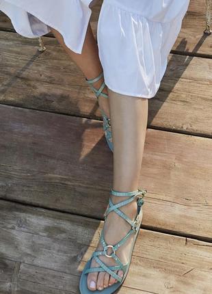 Босоножки-сандалии stradivarius
