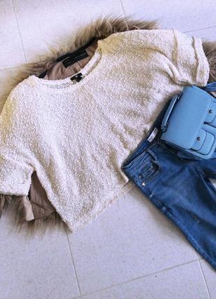 Белый свитер oversize