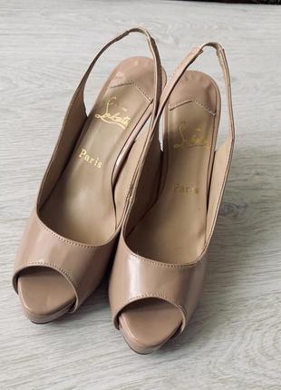 Оригіналні туфлі christian louboutin
