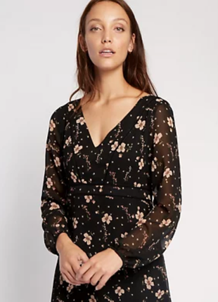 Модное платье на запах m&s