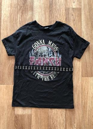 Рокерская футболка bershka
