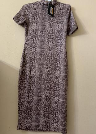Платье по фигуре в анималистический принт