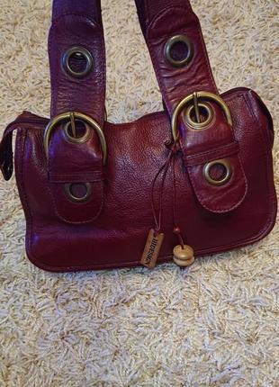 Кожаная женская сумка вишневого цвета