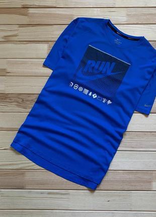 Крутая спортивная футболка nike dri fit running