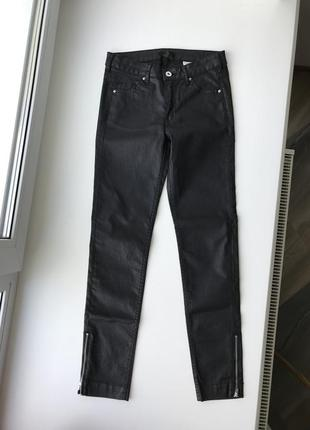 Чёрные джинсы эйчэндэм h&m