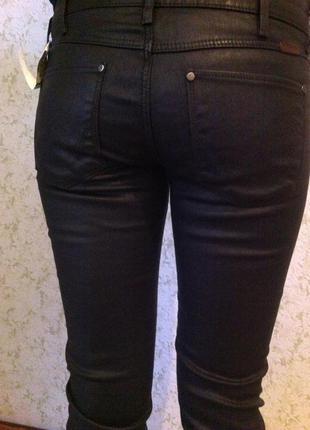 Wrangler джинсы под кожу оригинал джинсы с напылением под кожу