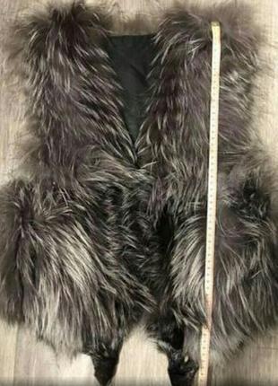 Меховая натуральная жилетка из чернобурки