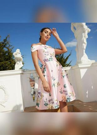 Скидка шикарное платье с открытыми плечами chi chi london оригінал