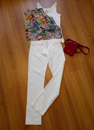 Белоснежные французкого бренда белоснежные новые брюки(m-l)