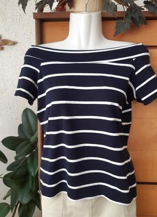 Красивейшая футболка в актуальный морской принт, идеально садится по фигуре