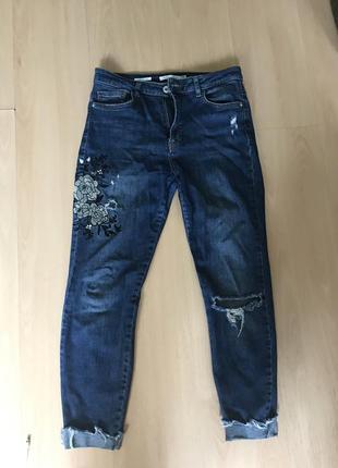 Рваные джинсы штаны bershka mom