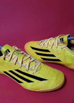 Adidas f10 in 41р. 26см футзалки бампы мужские