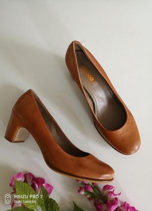 Ecco оригинал туфли натуральная кожа,40pp
