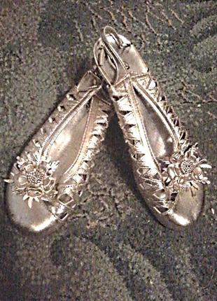 Туфельки босоножки удобная колодка,наборной каблучок,стелька 25см