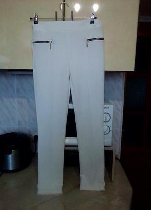 Новые итальянские белоснежные зауженые брюки скинни слим, италия, тянуться