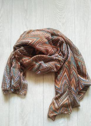 Лёгкий шарф палантин