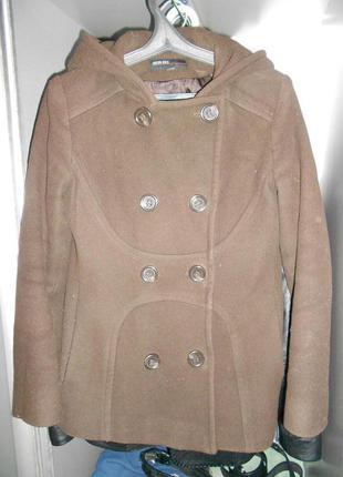 Пальто цвета шоколад кофе