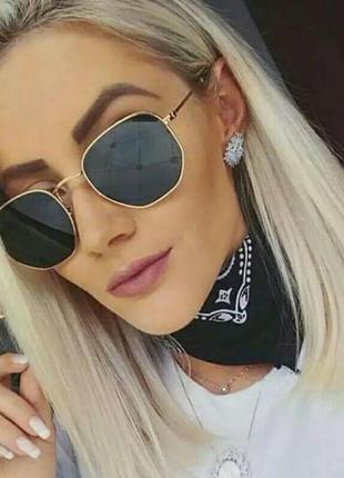 Солнцезащитные очки шестиугольные чёрные в металлической оправе