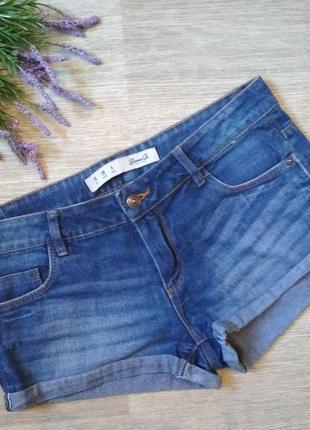 Короткие джинсовые шорты denim co