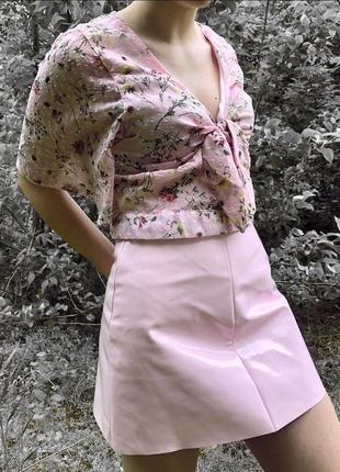 Латексна юбка