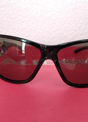 Солнцезащитные очки полароиды