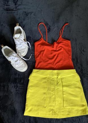 Неоновая мини юбка