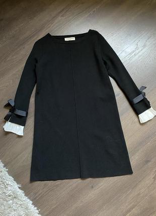 Стильное чёрное платье с белыми вставками