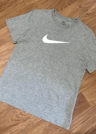 Улётная футболка от nike big logo