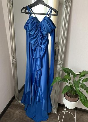 Вечернее платье атласное