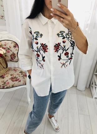 Белая рубашка с вышивкой кроя широкий оверсайз разлетайка