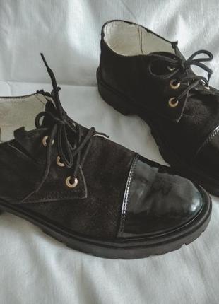 Черные лакированые замшевые туфли, кеды, лоферы, оксфорды