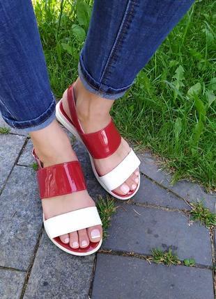 Красно-белые кожаные босоножки 36, 39, 40