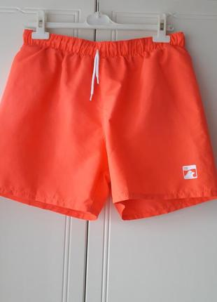 Яскраві пляжні шорти