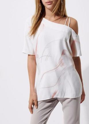 Блуза со спущенным рукавом