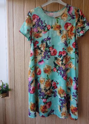 Летнее платье свободного кроя в цветочный принт