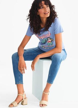 Яркая женская хлопковая футболка от c&a yessica, размер xs-s2 фото