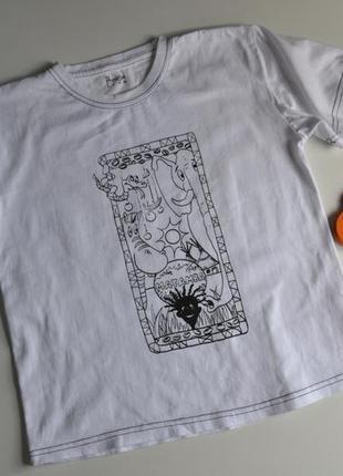 Белая футболка красивый принт