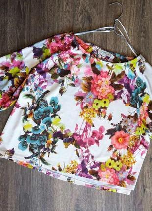 Блуза свободного покроя в цветочный принт