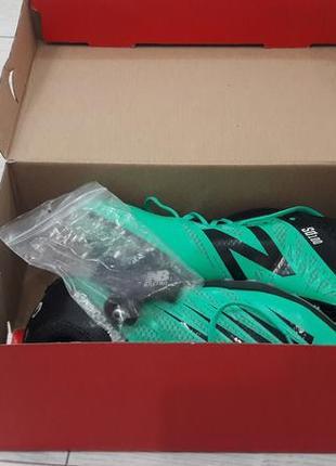 Мужские кроссовки для игры в футбол
