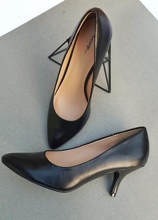 Туфли. классические туфли.