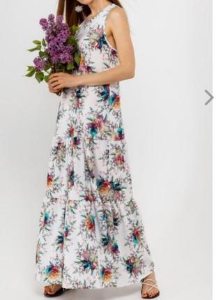Красочное платье в пол, размер 44