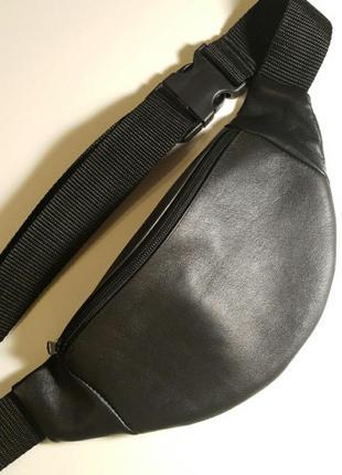 Бананка из натуральной кожи стильная кожаная сумка на пояс на плечо
