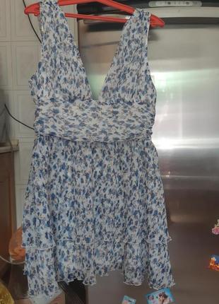 Платье фирменное !размер м,л