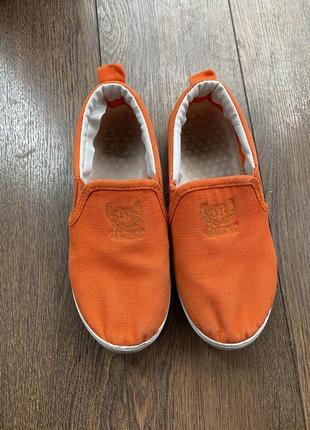 Мокасины для мальчика оранжевого цвета