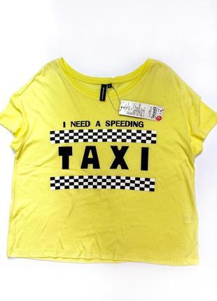 Женская футболка на лето
