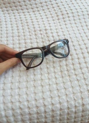 Имиджевые стильные компактные очки avon шакира