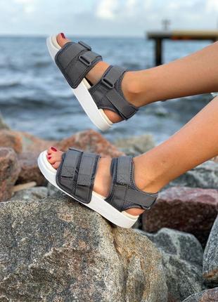 Женские летние сандали адидас, adidas sandals, сланцы-шлепанцы-шлепки, сандадит