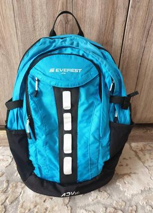 Вместительный рюкзак everest