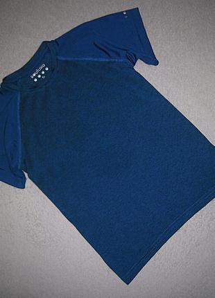 Спортивная футболка souluxe на 8-9 лет.